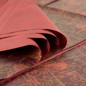 feuille-papier-de-soie-imprime-precious-metal-burgandy-swirls-01